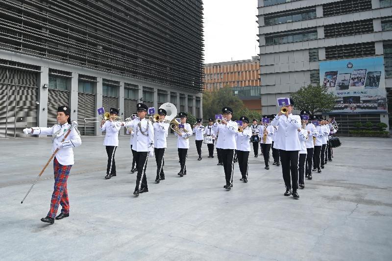 入境事務處樂隊一月十一日在入境事務學院開放日暨青年發展日上為觀眾演奏多首樂曲。