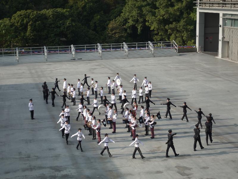 一月十一日的入境事務學院開放日暨青年發展日節目精彩豐富,包括步操表演。