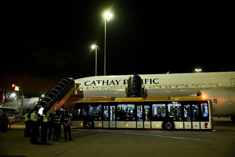 281位滯留湖北省的香港居民,今日(三月二十五日)乘搭香港特別行政區政府安排的第二批專機順利抵港。