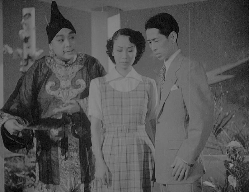 康樂及文化事務署香港電影資料館首個二十周年誌慶活動「瑰寶情尋」系列將以「聲影『留』傳」為題,於七月五日至明年三月二十八日放映十六套橫跨一九四○至六○年代、經數碼化的電影孤本或從未放映的電影版本。圖示《龍舟祥》(1952)劇照。