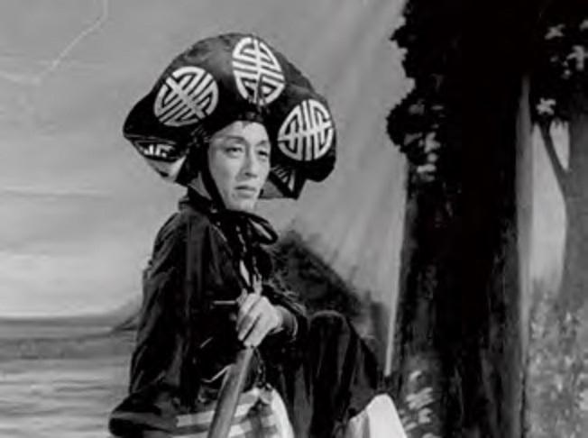 康樂及文化事務署香港電影資料館首個二十周年誌慶活動「瑰寶情尋」系列將以「聲影『留』傳」為題,於七月五日至明年三月二十八日放映十六套橫跨一九四○至六○年代、經數碼化的電影孤本或從未放映的電影版本。圖示《午夜屍變》(又名:屍變)(1955)劇照。