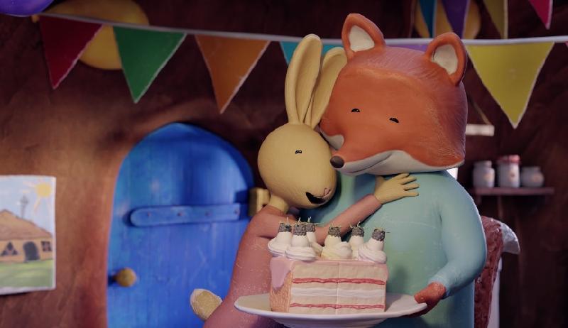 康樂及文化事務署電影節目辦事處的「國際兒童及青少年電影合家歡2020」,精選多部世界各地的動畫、長片和短片,為大小朋友帶來精彩的夏日娛樂。圖示 「世界動畫短片樂園2」中《狐狸與兔仔:完美生日會》(2018)劇照。