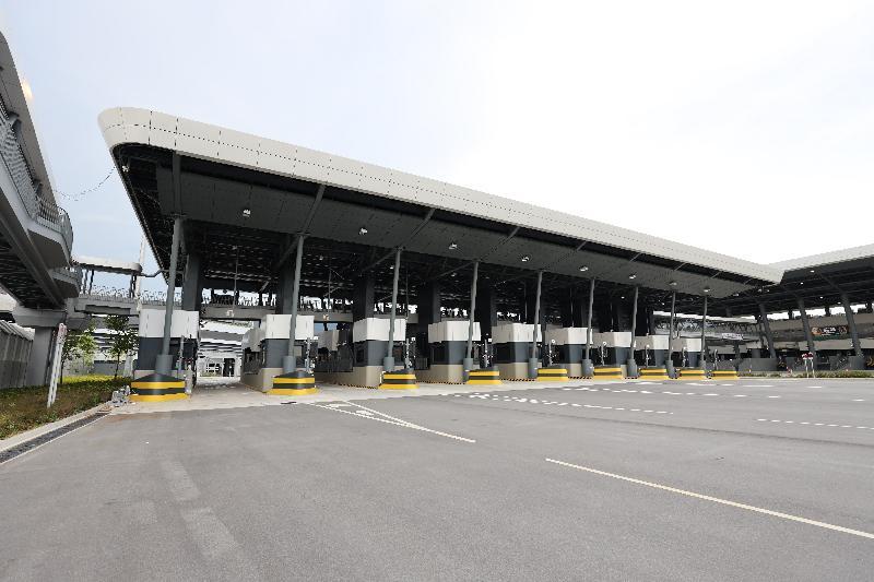 香園圍邊境管制站貨檢設施將於八月二十六日開放予跨境貨車使用。圖示該邊境管制站的貨檢設施。