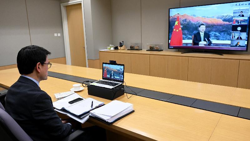 商務及經濟發展局局長邱騰華今日(十一月四日)晚上以線上形式出席第三屆中國國際進口博覽會暨虹橋國際經濟論壇開幕式。