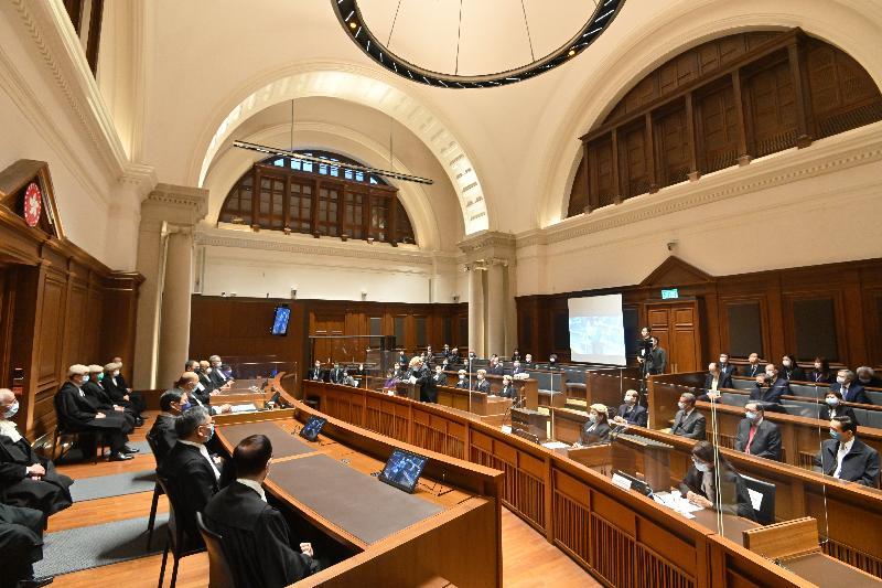 終審法院首席法官馬道立的退休前法庭儀式今日(一月六日)於終審法院舉行。