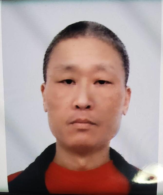 六十歲男子蔡國明身高約一點七五米,體重約六十五公斤,中等身材,圓面型,黃皮膚及蓄短黑髮。他最後露面時身穿紅色長袖上衣及灰色長褲。