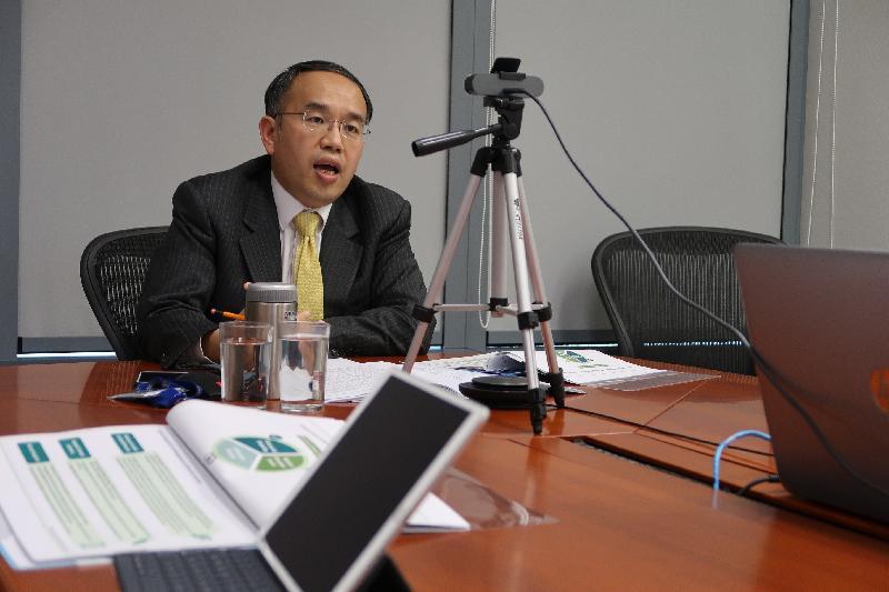 財經事務及庫務局局長許正宇今日(三月四日)於香港駐新加坡經濟貿易辦事處舉辦的網上研討會上發言。