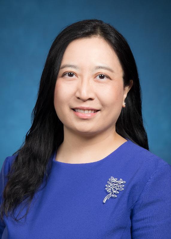 現任環境局副秘書長楊碧筠將於二○二一年四月十四日出任食物環境衞生署署長。