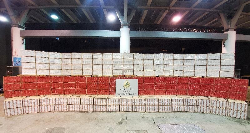 香港海關檢獲約二千六百萬元懷疑私煙