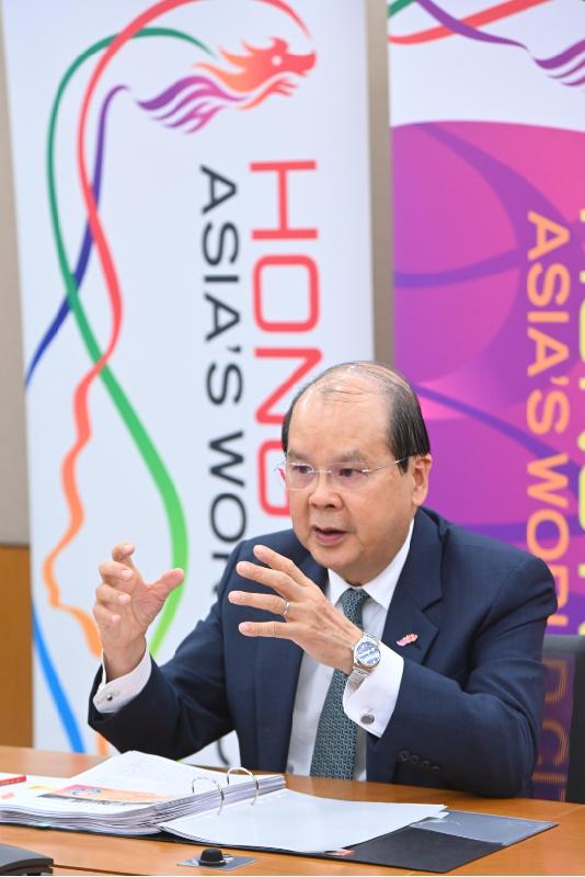 政務司司長張建宗今日(六月十一日)出席網上研討會,向東南亞國家聯盟的商界人士介紹香港穩健的根基和在「一國兩制」下的獨特優勢。