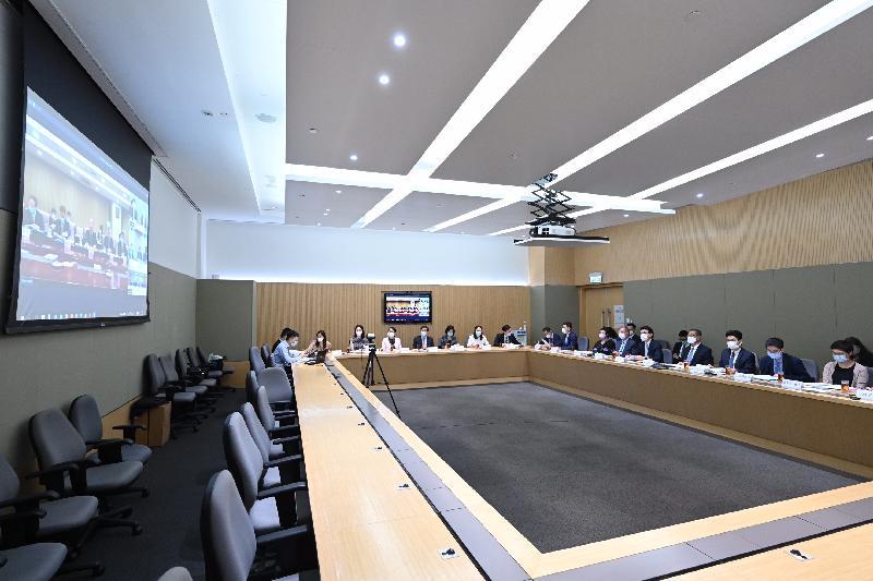 香港特別行政區政府與國家發展和改革委員會及其他相關部委今日(七月十二日)通過視像會議舉行支持香港全面參與和助力「一帶一路」建設聯席會議第四次會議。