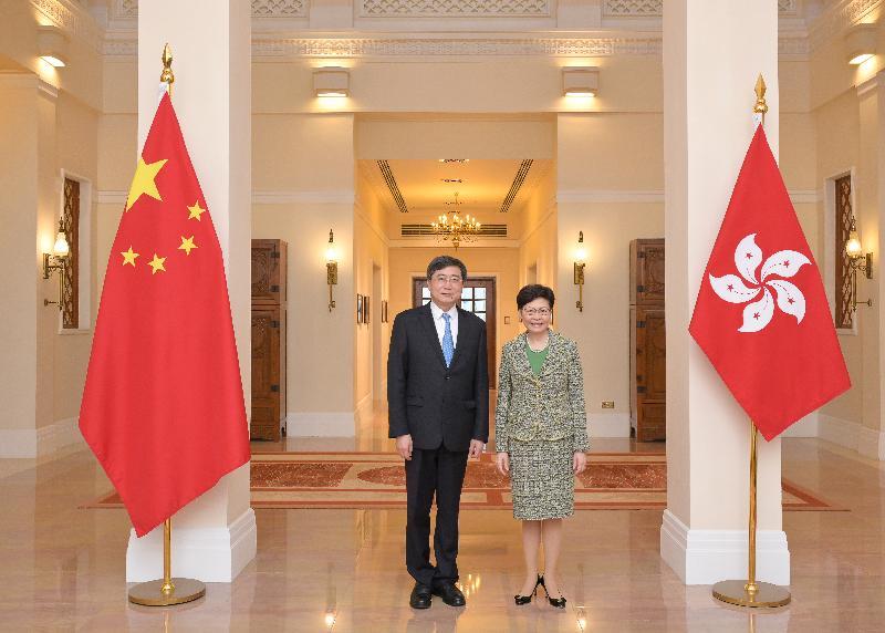 行政長官林鄭月娥(右)今日(七月二十一日)在禮賓府與國家文化和旅遊部副部長張旭(左)會面。
