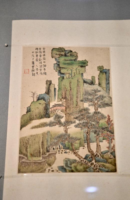 香港藝術館今日(七月二十八日)宣布獲至樂樓藝術發揚(非牟利)有限公司再度慷慨捐贈八件珍貴中國書畫藏品。圖示蕭雲從的《山水冊》(頁一)。
