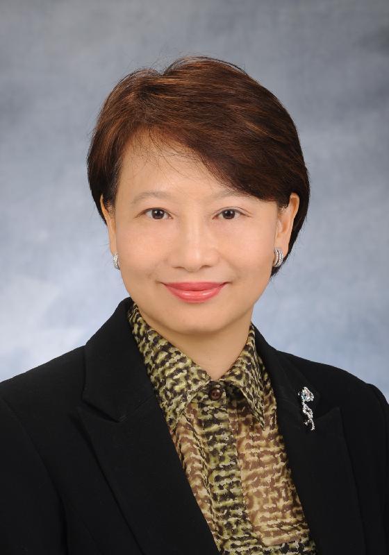 民政事務局常任秘書長謝凌潔貞服務政府三十七年後,將展開退休前休假。